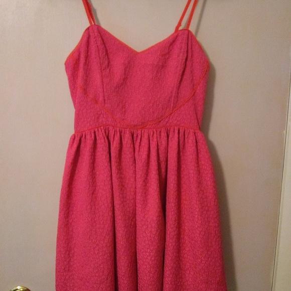Cooperative Dresses & Skirts - Adorable heart 💓 dress